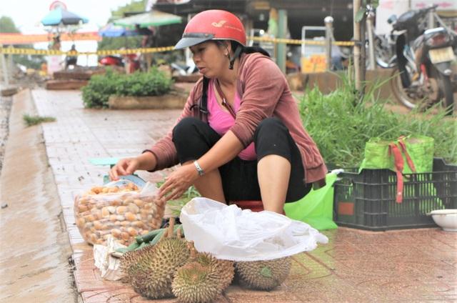Đắk Nông: Kiếm nửa triệu đồng mỗi ngày nhờ mua thứ hạt ...bỏ đi - 1