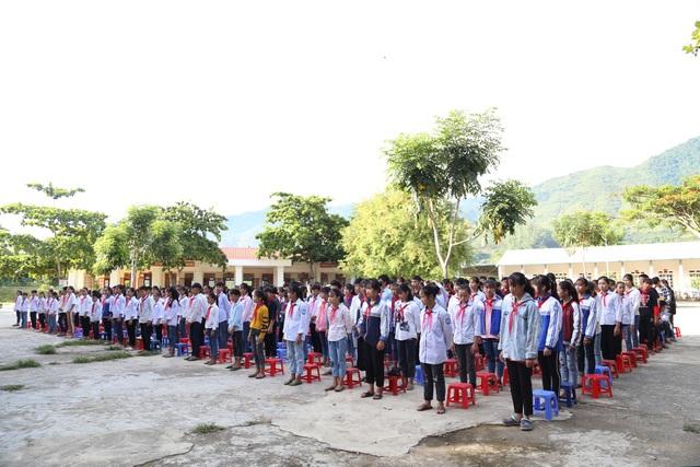 Điểm trường Dân Trí tặng học sinh được công nhận đạt chuẩn quốc gia - 6