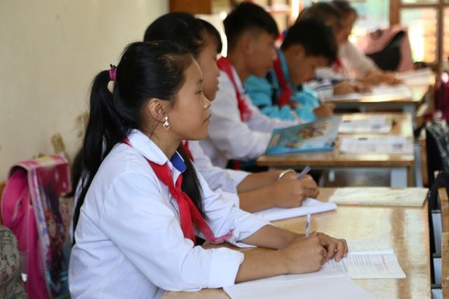 Điểm trường Dân Trí tặng học sinh được công nhận đạt chuẩn quốc gia - 8