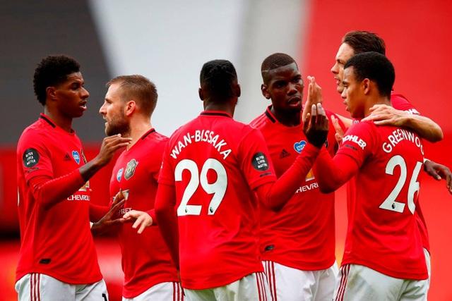Những khoảnh khắc thăng hoa của hàng công Man Utd trước Bournemouth - 8