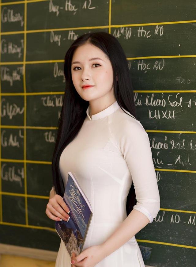 Nữ sinh xứ Thanh đẹp dịu dàng trong ảnh chia tay tuổi học trò - 3