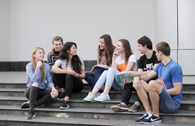 Lưu học sinh nước ngoài học tại Việt Nam được hỗ trợ kinh phí - 1