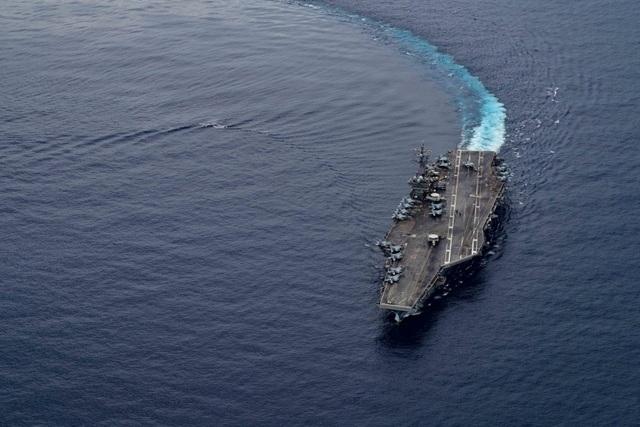 Mỹ đưa B-52 tới Biển Đông tập trận cùng 2 tàu sân bay - 2