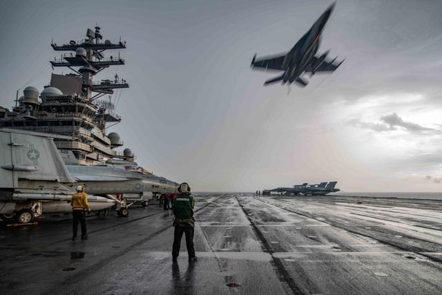Cận cảnh tàu sân bay Mỹ tập trận ở Biển Đông - 5