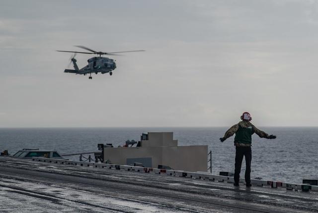 Cận cảnh tàu sân bay Mỹ tập trận ở Biển Đông - 7