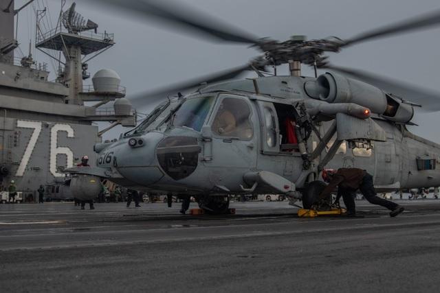 Cận cảnh tàu sân bay Mỹ tập trận ở Biển Đông - 10