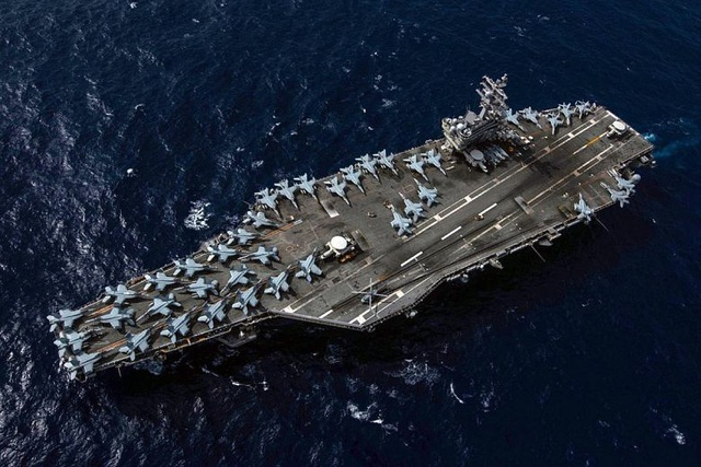 Hai tàu sân bay Mỹ tập trận ở Biển Đông - 1
