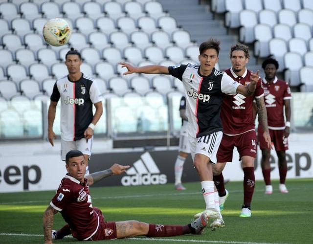 C.Ronaldo lập siêu phẩm sút phạt, Juventus đại thắng ở Serie A - 2