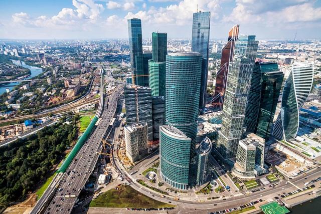 Tiết lộ thiệt hại khủng của những người giàu nhất nước Nga - 1