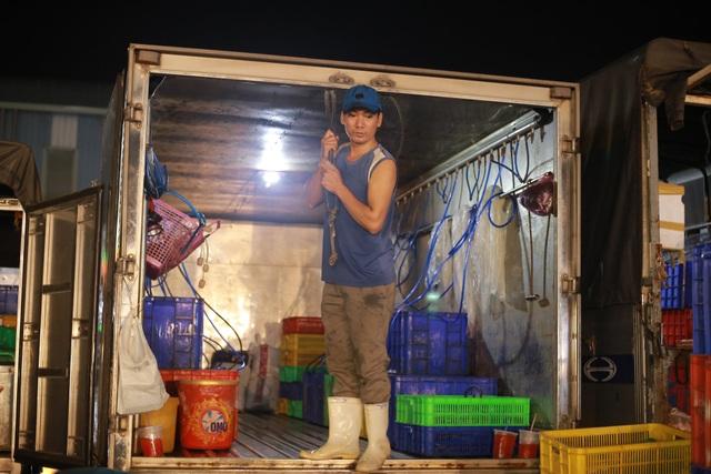 Vui buồn nghề cửu vạn ở chợ đêm Sài Gòn - 12