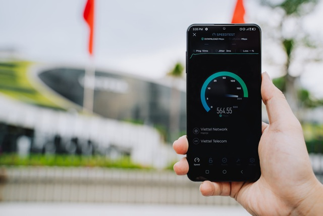 VinSmart ra mắt điện thoại 5G, tích hợp chip bảo mật sử dụng công nghệ điện toán lượng tử - 1