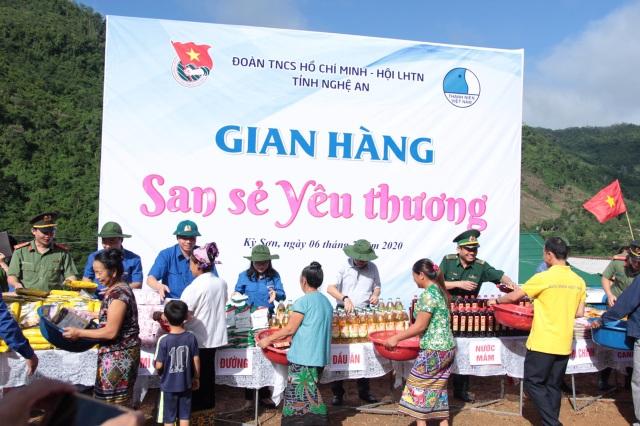 Tỉnh đoàn Nghệ An ra quân tình nguyện ở biên giới Việt - Lào - 14
