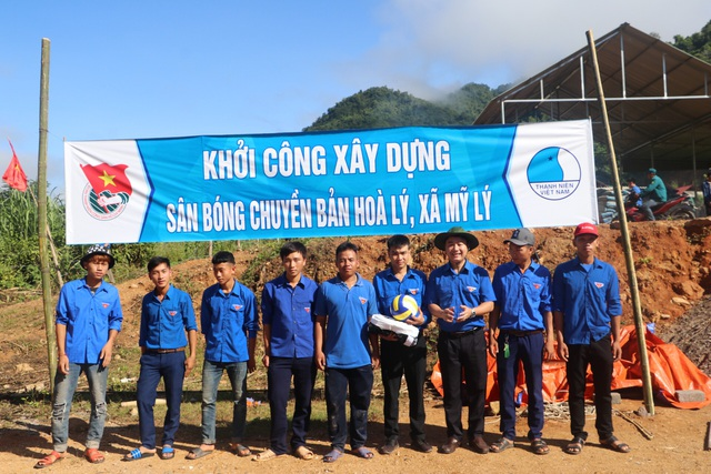Tỉnh đoàn Nghệ An ra quân tình nguyện ở biên giới Việt - Lào - 15