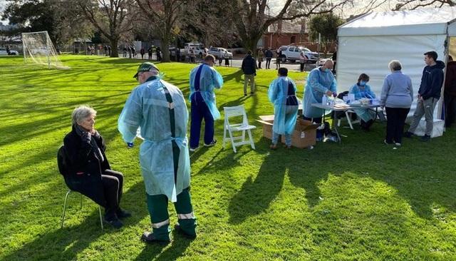 Australia phong tỏa 6,6 triệu người vì Covid-19 tái bùng phát - 1