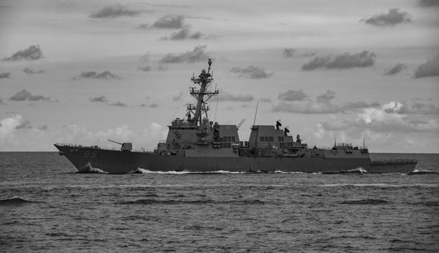 Màn phô diễn sức mạnh của 2 tàu sân bay Mỹ tập trận tại Biển Đông - 3