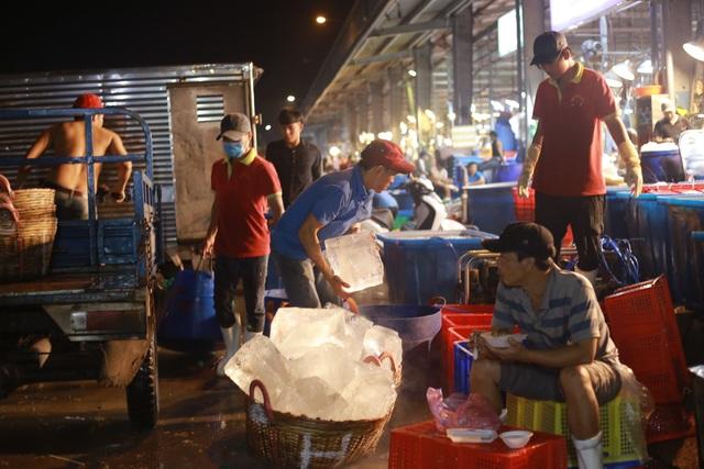 Vui buồn nghề cửu vạn ở chợ đêm Sài Gòn - 4