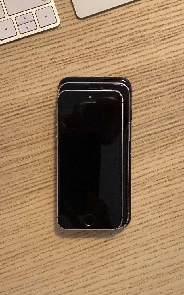 """Chùm ảnh iPhone 12 """"đọ dáng"""" cùng iPhone SE và iPhone 7 - 3"""