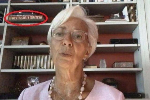 Xôn xao sách của trùm giáo phái tình dục trên kệ của Chủ tịch ECB - 1