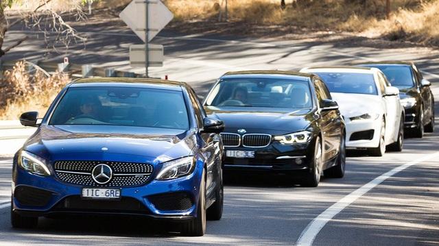 Xe sang Mercedes-Benz, BMW đua giảm giá để kéo khách hàng - 3