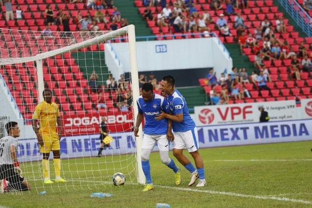 CLB Nam Định thua đau phút bù giờ trước Than Quảng Ninh - 3