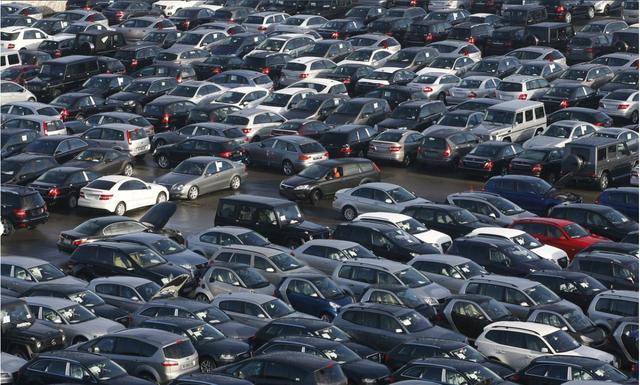 Tiêu thụ ô tô tại Đức đang ở mức thấp nhất trong vòng 30 năm - 1