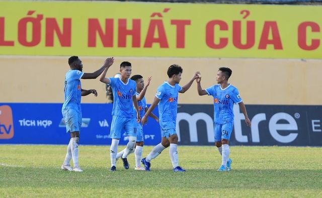 Đức Chinh lập cú đúp, SHB Đà Nẵng giành 3 điểm trên sân Thanh Hóa - 2