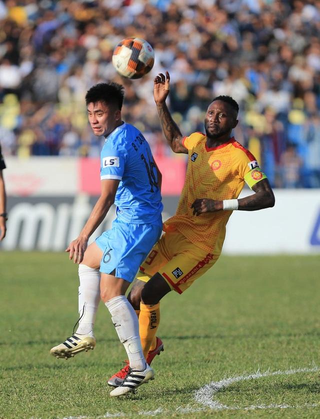 Đức Chinh lập cú đúp, SHB Đà Nẵng giành 3 điểm trên sân Thanh Hóa - 3