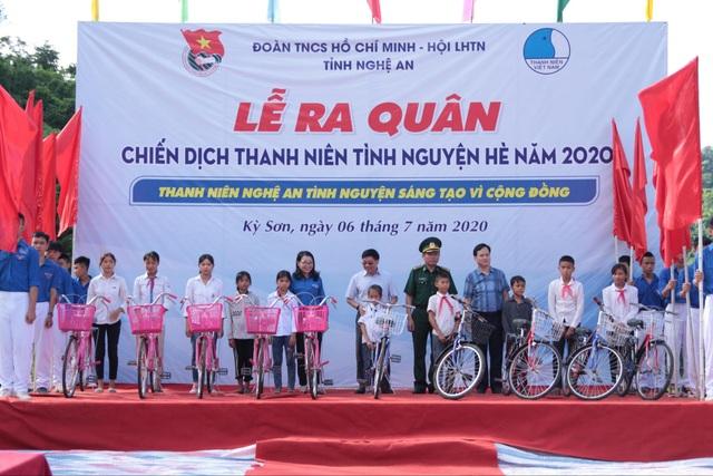 Tỉnh đoàn Nghệ An ra quân tình nguyện ở biên giới Việt - Lào - 7