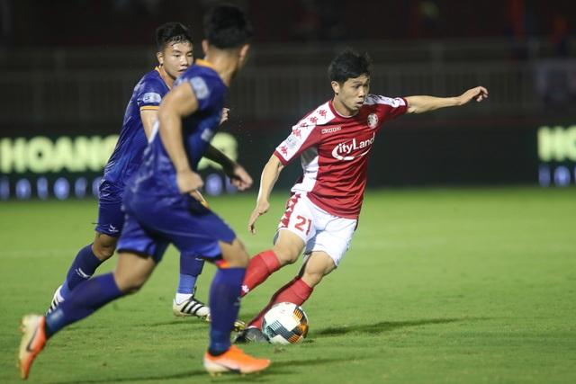 Các tuyển thủ Việt Nam thi đấu ra sao trước khi V-League tạm hoãn? - 1