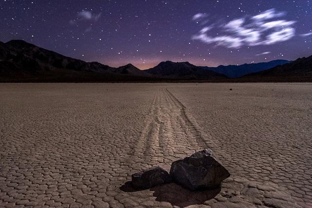 Bí ẩn tảng đá biết đi ở thung lũng Chết, nơi khắc nghiệt nhất trái đất  - 5