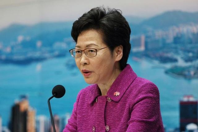 """Lãnh đạo Hong Kong cảnh báo người dân không """"vượt lằn ranh"""" luật an ninh - 1"""