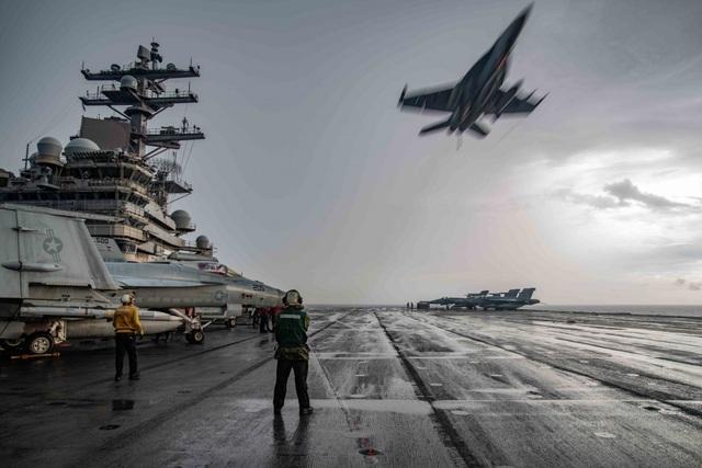 Đưa hai tàu sân bay đến Biển Đông tập trận: Thông điệp cứng rắn từ Mỹ - 1