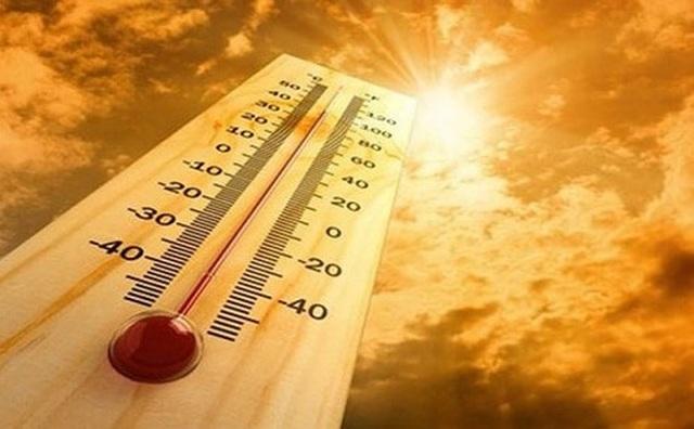 Miền Bắc bước vào đợt nắng nóng gay gắt dài ngày - 1