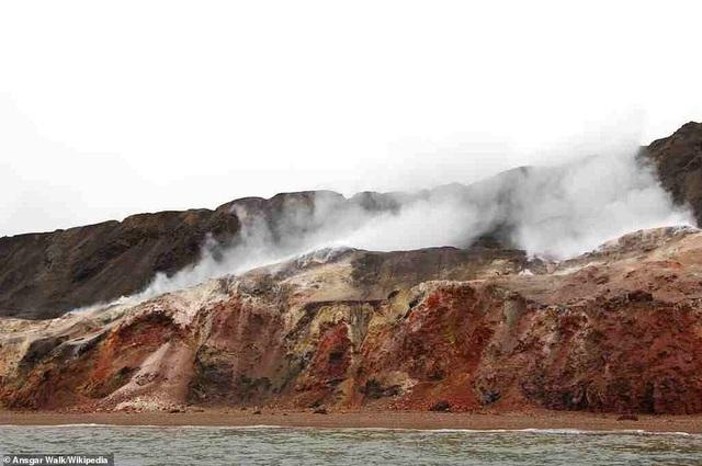 Kỳ lạ ngọn đồi tự bốc cháy suốt hàng trăm năm - 4