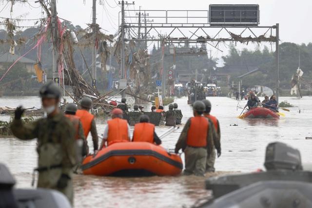 Cảnh đổ nát tại Nhật Bản sau thảm họa mưa lũ khiến 50 người chết - 12