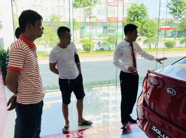Thị trường ô tô sau giảm 50% phí trước bạ: Tan băng nhưng lại tăng giá - 1