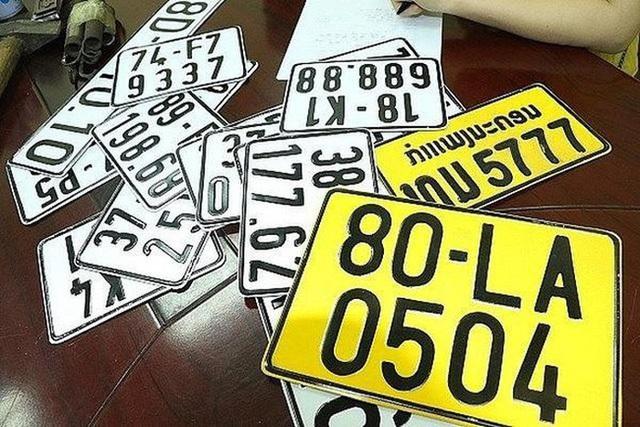 Từ 1/8, ô tô kinh doanh vận tải phải đổi sang biển số màu vàng - 1