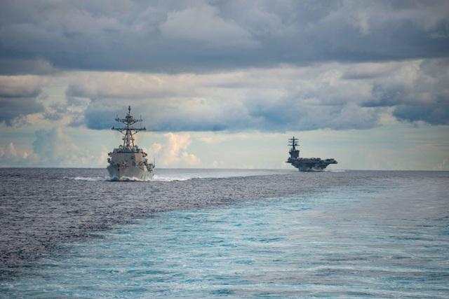 Máy bay quân sự Mỹ phô diễn sức mạnh trong tập trận tại Biển Đông - 19