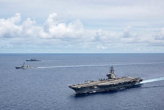 Máy bay quân sự Mỹ phô diễn sức mạnh trong tập trận tại Biển Đông - 20