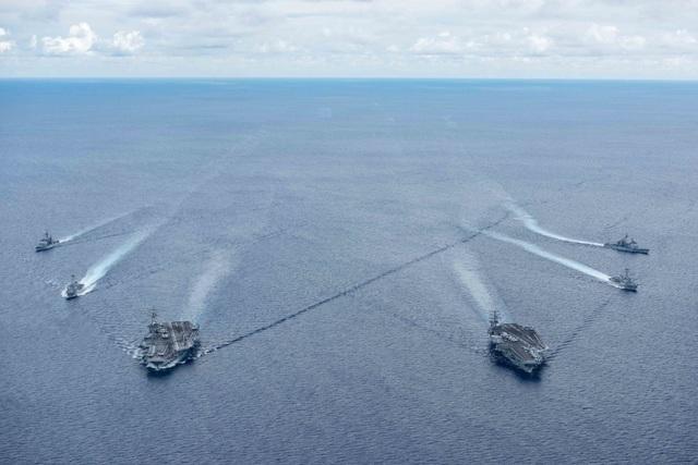 Máy bay quân sự Mỹ phô diễn sức mạnh trong tập trận tại Biển Đông - 21
