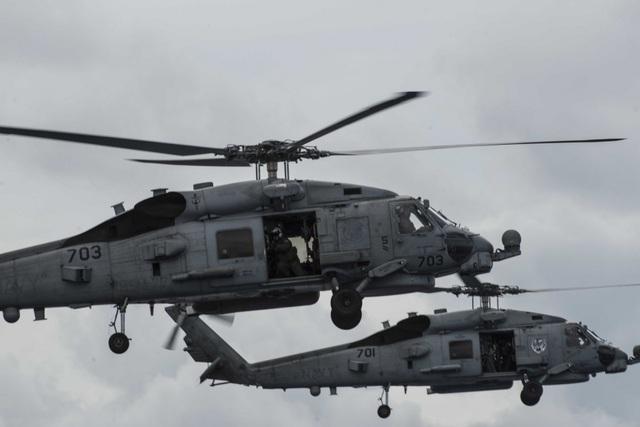 Máy bay quân sự Mỹ phô diễn sức mạnh trong tập trận tại Biển Đông - 8