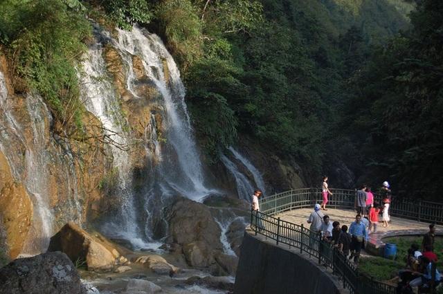 Khám phá những thác nước đẹp nhất Sa Pa - 1