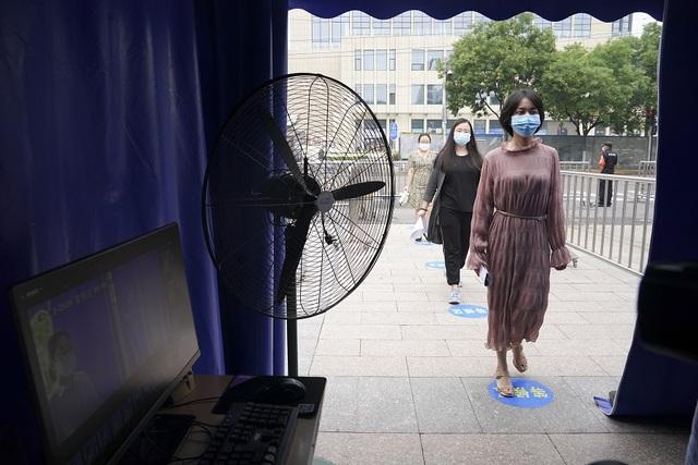 Trung Quốc cảnh báo nghiêm trị trường hợp gian lận thi Đại học quốc gia - 2