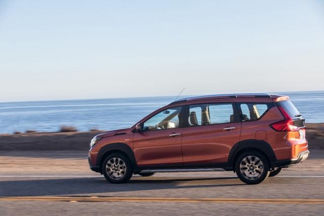"""Suzuki XL7 ra mắt, kỳ vọng """"soán ngôi vương"""" phân khúc SUV 7 chỗ - 3"""
