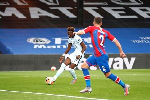 Crystal Palace 2-3 Chelsea: The Blues có vị trí thứ 3 - 2