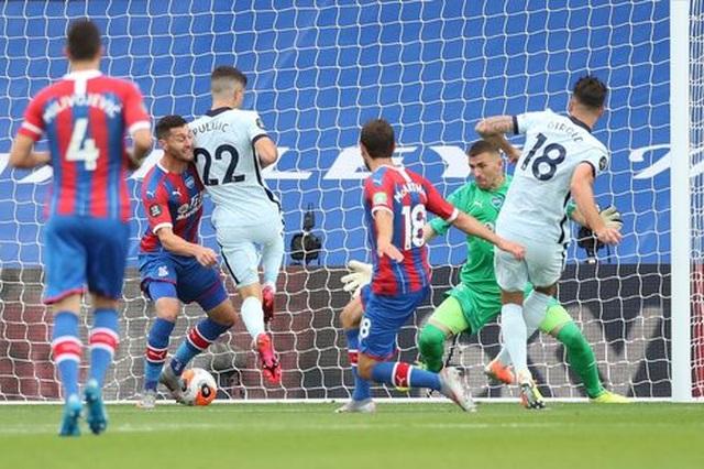 Crystal Palace 2-3 Chelsea: The Blues có vị trí thứ 3 - 9