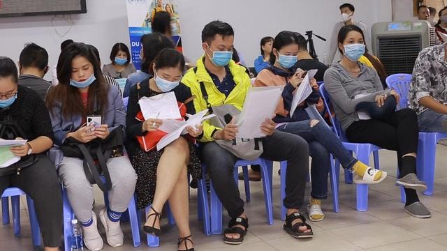 TPHCM: Công nhân thất nghiệp chấp nhận mức lương thấp để có việc làm - 2
