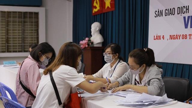 TPHCM: Hơn 220.000 lao động được giải quyết việc làm - 2