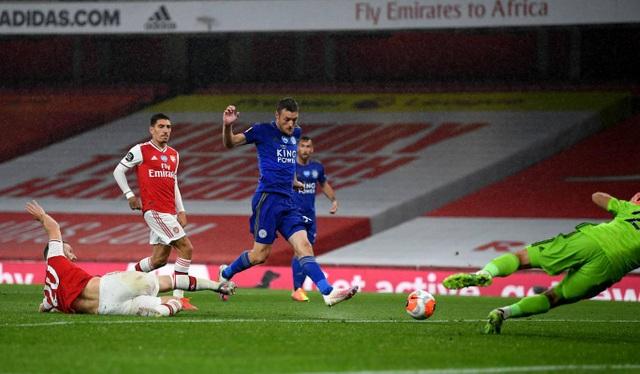Arsenal 1-1 Leicester: Nketiah bỗng nhiên thành tội đồ