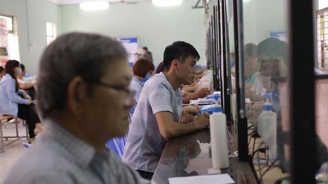 TPHCM: Công nhân thất nghiệp chấp nhận mức lương thấp để có việc làm - 5